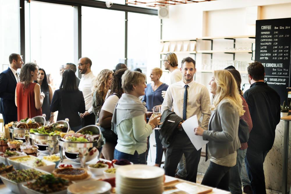 Si tienes un evento, opta por un buen catering para tus invitados